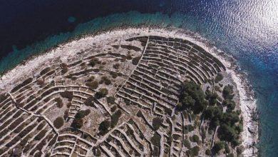 Photo of Egy apró horvát sziget, amely felülről egy ujjlenyomatra hasonlít