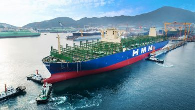 Photo of Elindult első útjára a világ legnagyobb konténerszállító hajója