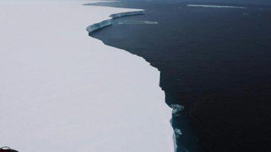 Photo of Így sodródik a világ legnagyobb jéghegye
