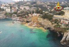 Photo of Koporsók százai hullottak a tengerbe egy földcsuszamlás miatt Olaszországban