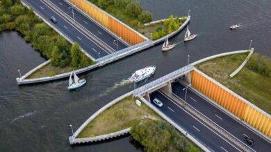 """Photo of Egy különleges """"híd"""", amin a hajók az autóút felett haladnak át"""