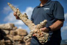 Photo of Egy keresztes lovag 900 éves kardját találták meg Izraelben